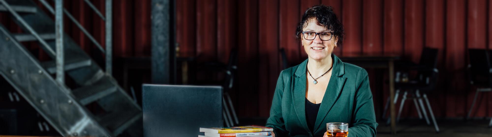petra-fisher-linkedin-trainer-consultant-expert-linkedin-storyteller